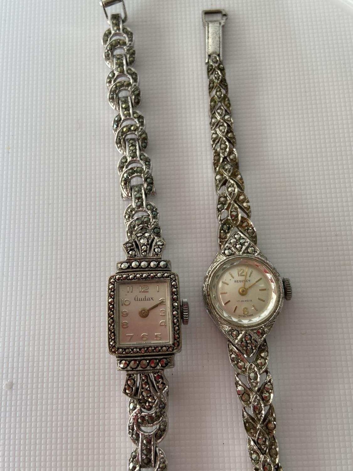 A vintage ladies 925 silver wrist watch produced by Regency [17 jewel] [working] fitted with - Image 4 of 6
