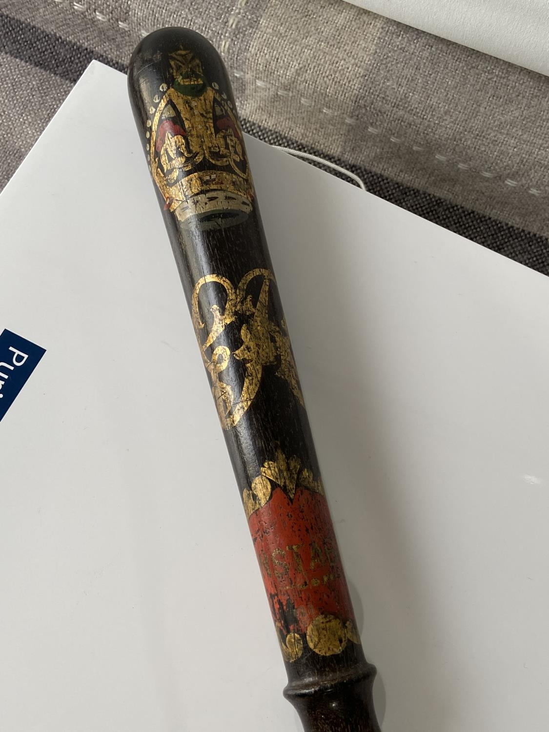 An antique George V Police truncheon by Hiatt & Co Birmingham. Showing Constable written within a - Image 4 of 6