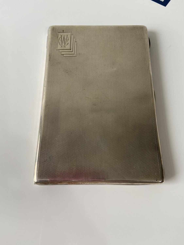 A stylish Birmigham silver cigarette case [Joseph Gloster Ltd] [dated, 1936] [12.5 x8.3cm] [183.89g] - Image 4 of 8
