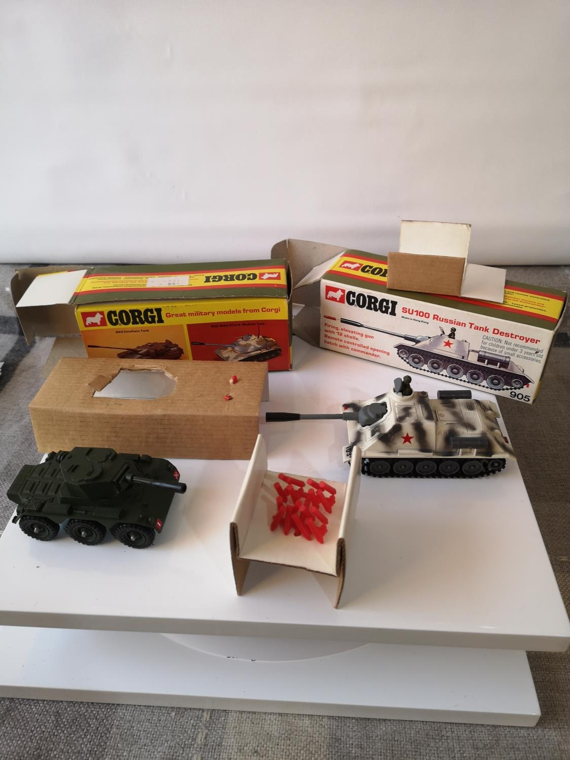 TWO CORGI MILITARY MODELS WITH BOXES. 906 SALADIN ARMOURED CAR & 905 SU100 RUSSIAN TANK DESTROYER.