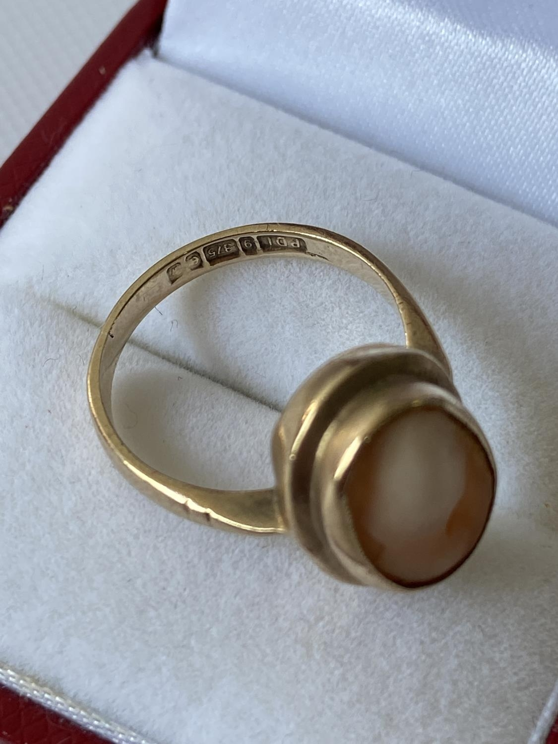 An antique 9ct gold & cameo carved ring [size I] [2.27g] - Image 5 of 6