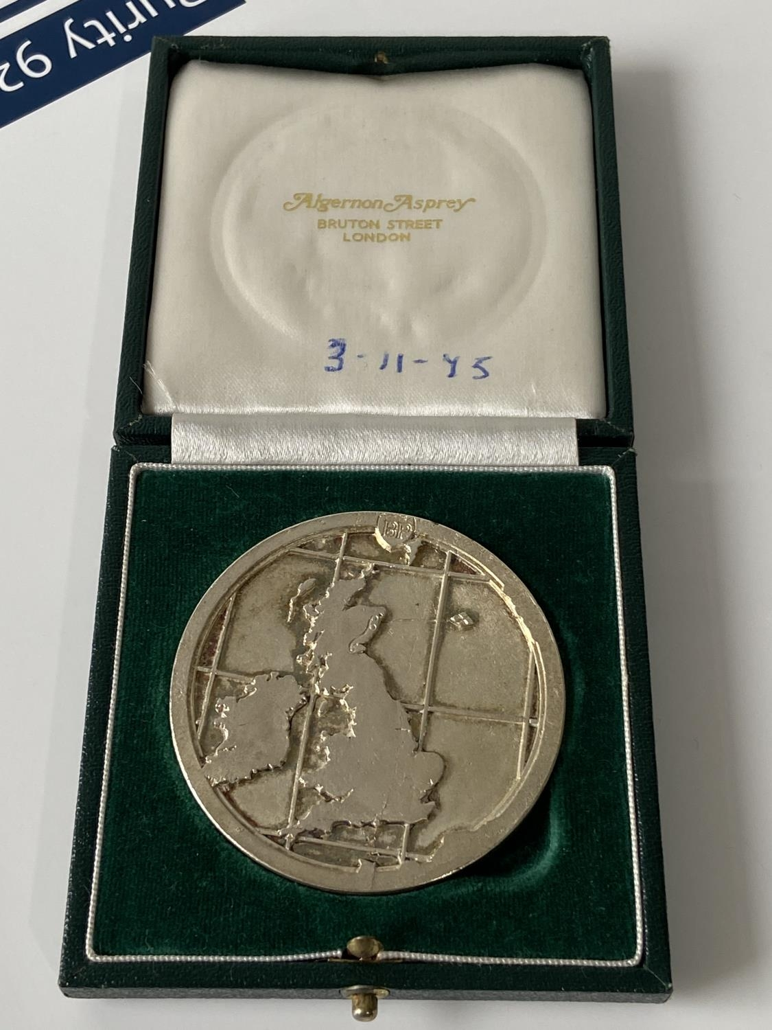 A 1975 commemorative medal for BP Forties Field oil field opening, comes with case, [diameter 6cm] - Image 2 of 6