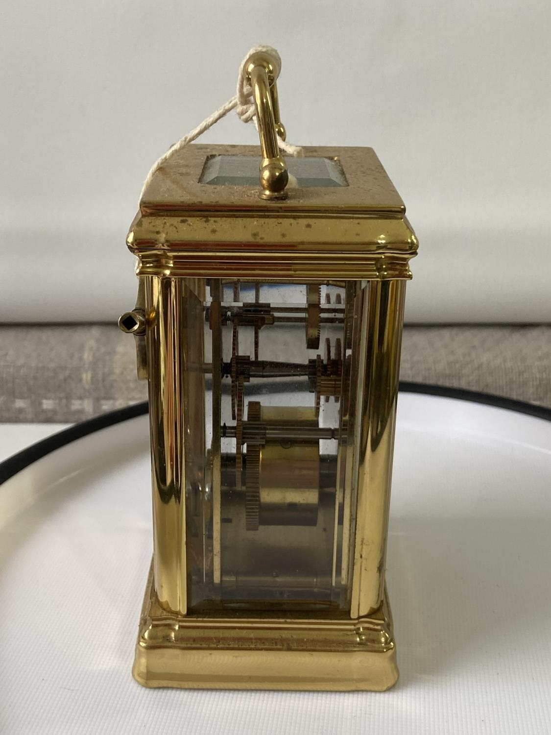 Antique heavy brass carriage clock [Rapport London] [MVT No 1800] in a working condition and with - Image 4 of 12