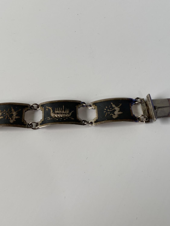 A vintage Siam Sterling silver bracelet [length 18.5cm] - Image 5 of 8