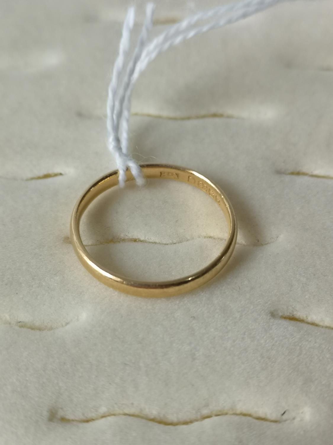 A 22ct gold wedding band [Ring size N] [2.33Grams] - Image 2 of 3