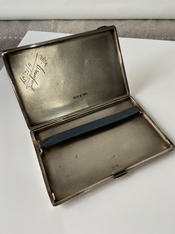 A stylish Birmigham silver cigarette case [Joseph Gloster Ltd] [dated, 1936] [12.5 x8.3cm] [183.89g] - Image 8 of 8