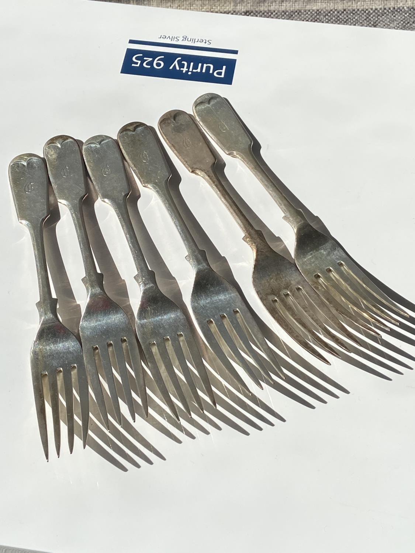 A set of 6 Sheffield silver starter forks [Walker & Hall] [dated, 1934] [293g]