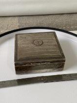 A Birmingham silver cigarette box [Henry Matthews] [dated, 1911] [3.5 x 8.5 x 9cm] [173g]