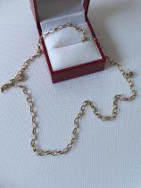 A 9ct gold belcher necklace [length 48cm] [3.39g]