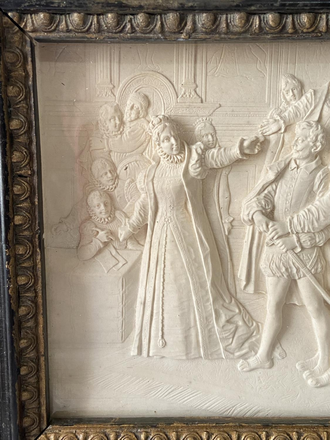 An 18th/ 19th century marble carved panel fitted within a gilt wooden frame. Depicting Queen - Image 4 of 8
