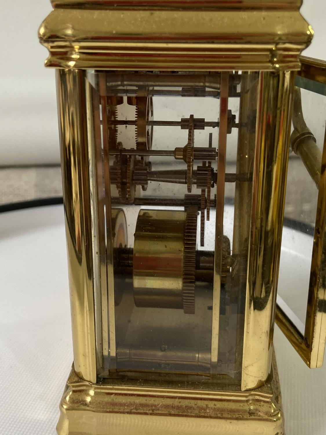 Antique heavy brass carriage clock [Rapport London] [MVT No 1800] in a working condition and with - Image 9 of 12