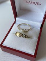 A 9ct gold & single pearl ring [size Q], together with a 9ct gold signet pinky ring fitted with a
