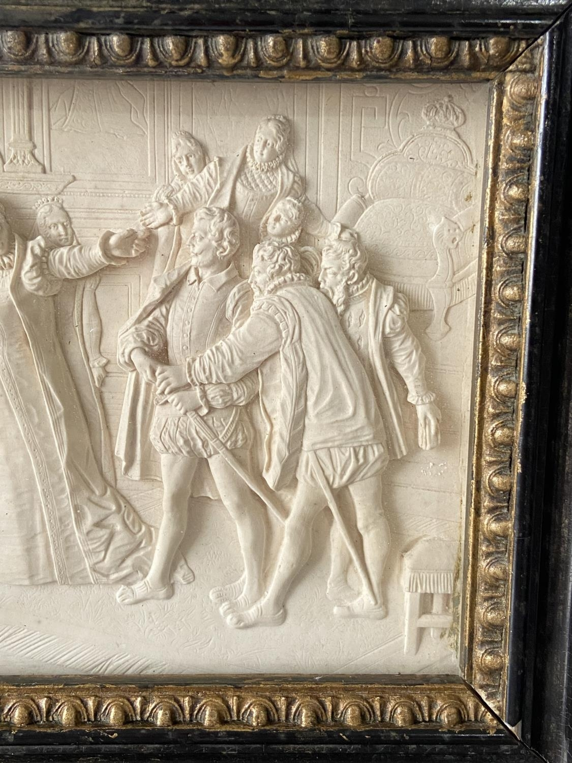 An 18th/ 19th century marble carved panel fitted within a gilt wooden frame. Depicting Queen - Image 5 of 8