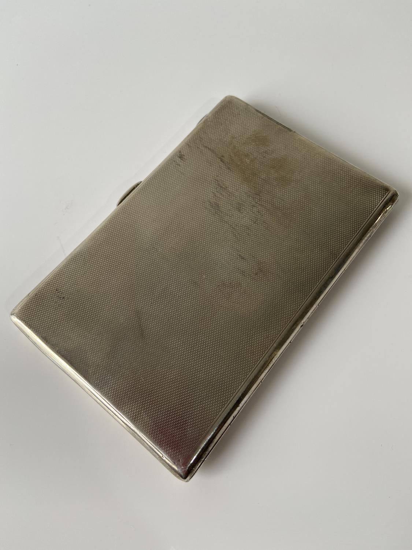 A stylish Birmigham silver cigarette case [Joseph Gloster Ltd] [dated, 1936] [12.5 x8.3cm] [183.89g] - Image 6 of 8