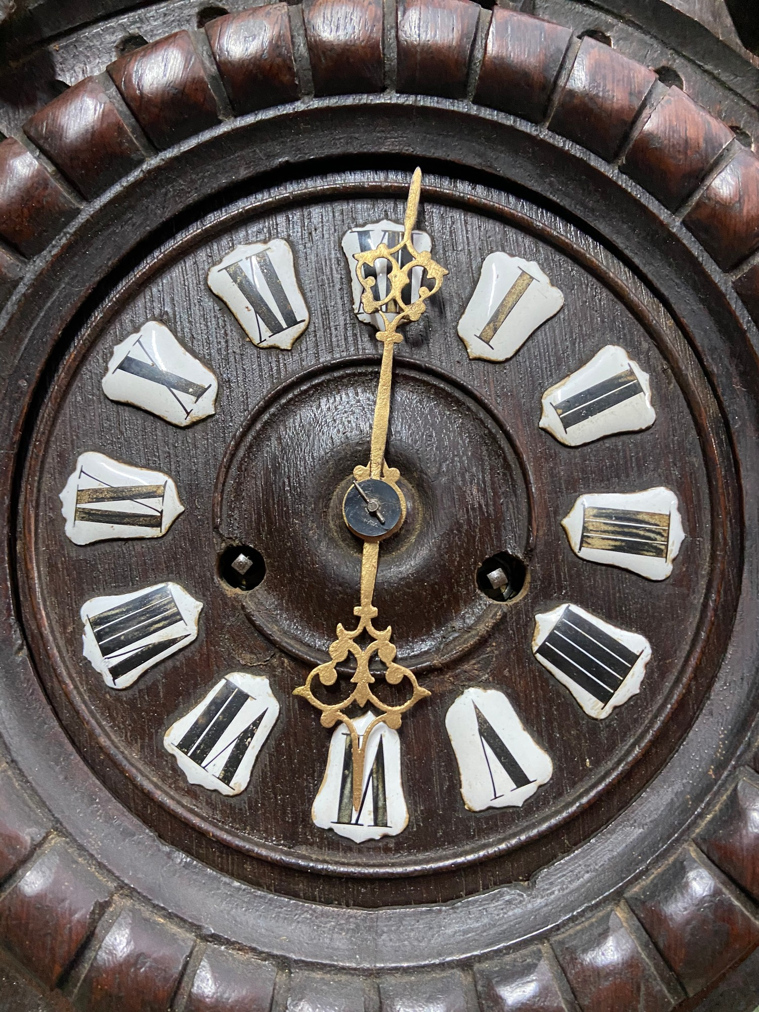 An Impressive Antique German Blackforest wall clock. [68cm in length] - Image 4 of 6