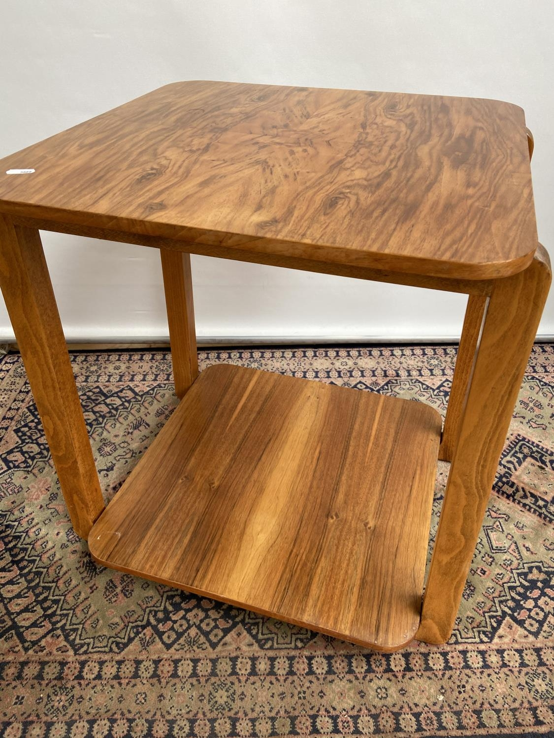A stylish mid century two tier table [60x50x50cm] - Image 3 of 4