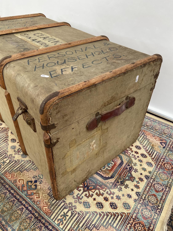 A vintage wooden bound steamer trunk [50x90x54cm] - Image 2 of 4