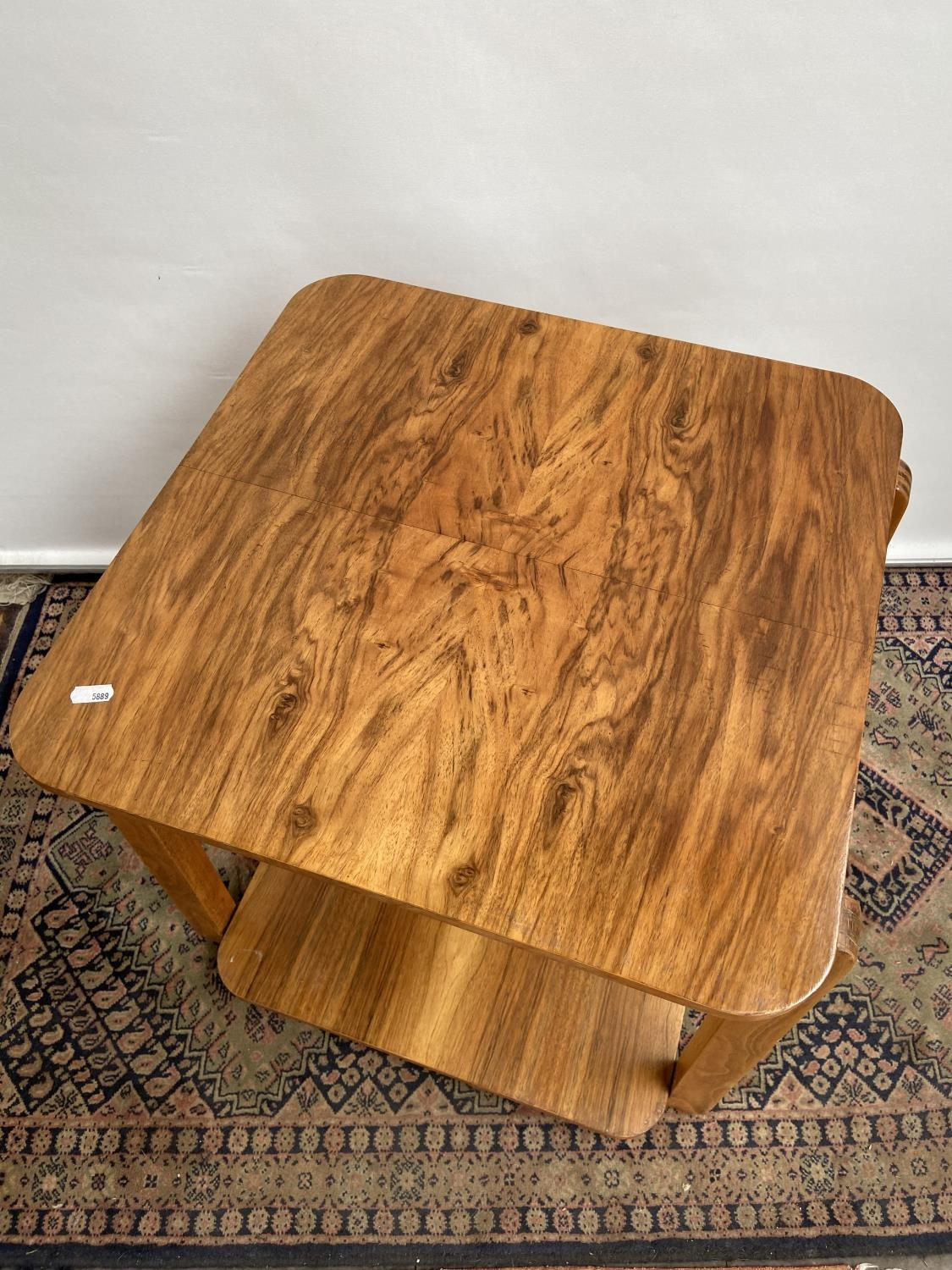 A stylish mid century two tier table [60x50x50cm] - Image 2 of 4