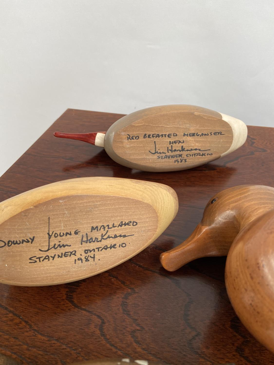 A Collection of hand carved wooden duck decoy sculptures by Jim Harkness. - Image 11 of 11