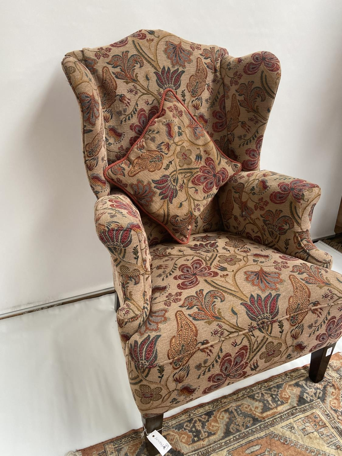 Antique gull wing arm chair. [back 114cm] [seat area 50cm] - Image 2 of 5