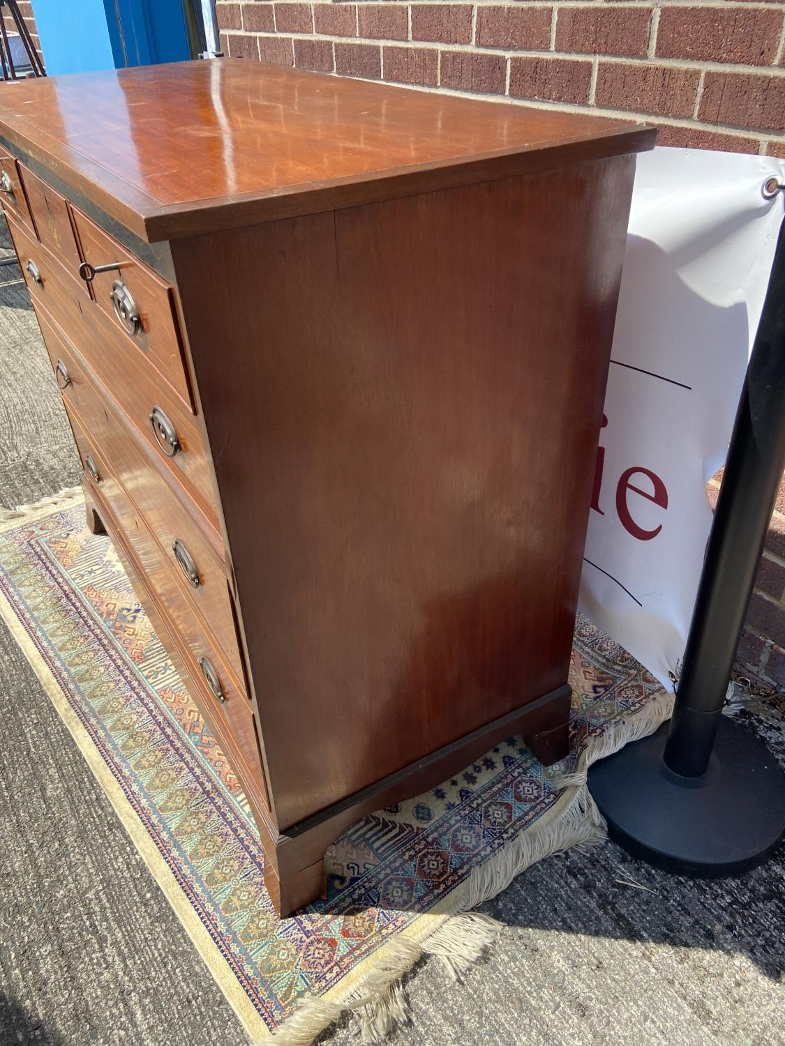 A Georgian/Early Victorian inlaid chest of drawers [3 over 3] [95 x 116 x 52cm] - Image 3 of 6