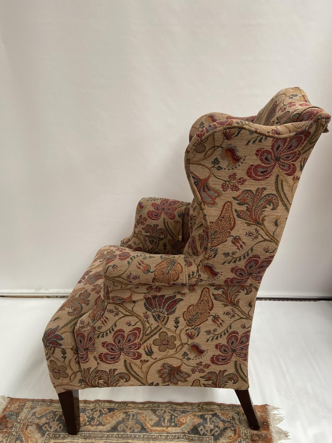 Antique gull wing arm chair. [back 114cm] [seat area 50cm] - Image 4 of 5