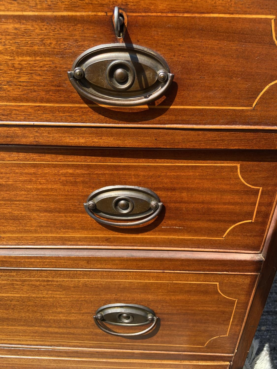 A Georgian/Early Victorian inlaid chest of drawers [3 over 3] [95 x 116 x 52cm] - Image 6 of 6
