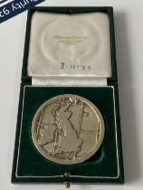 A 1975 commemorative medal for BP Forties Field oil field opening, comes with case, [diameter 6cm]