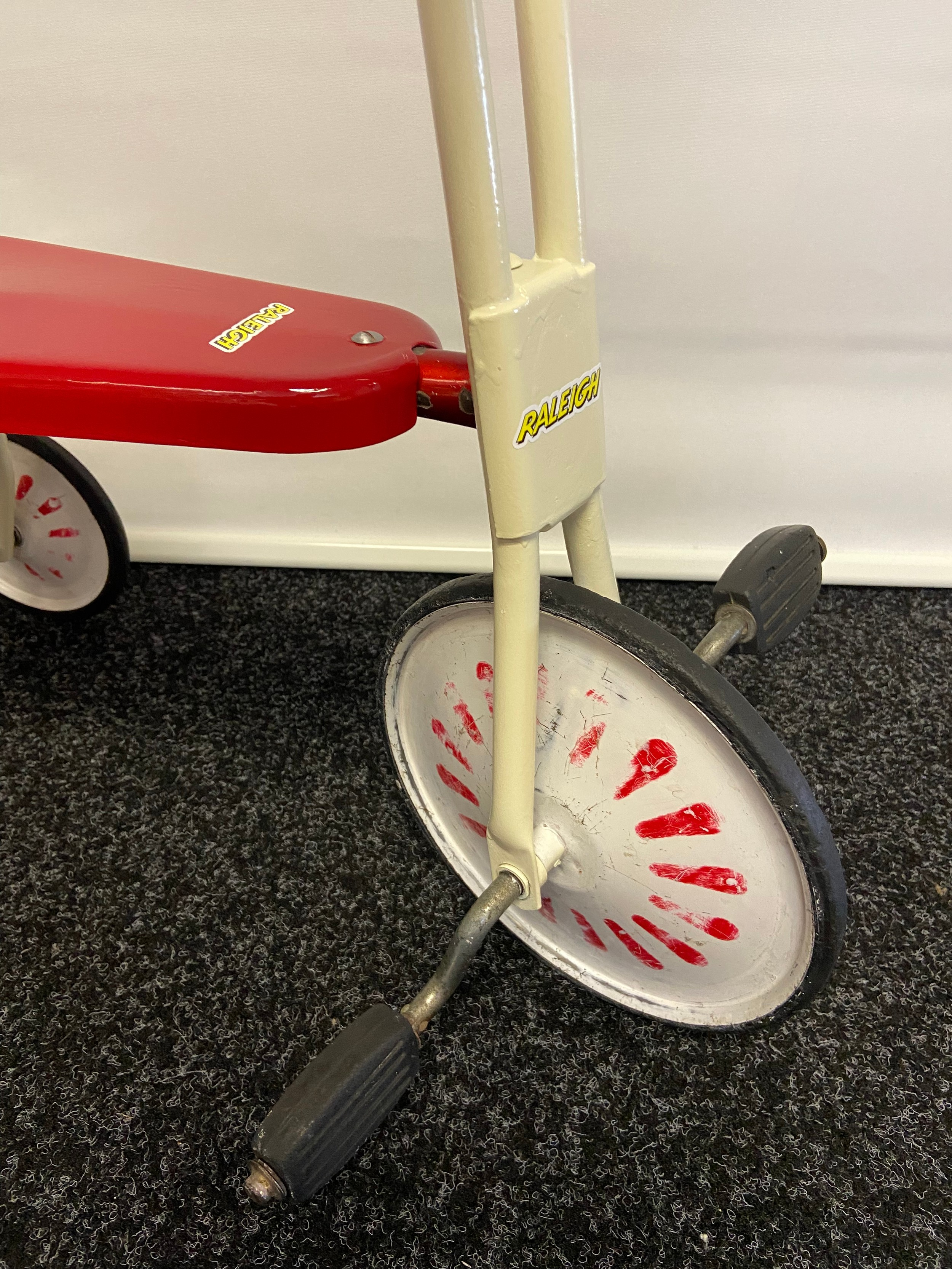 A Vintage childs Raleigh tricycle. - Image 3 of 3