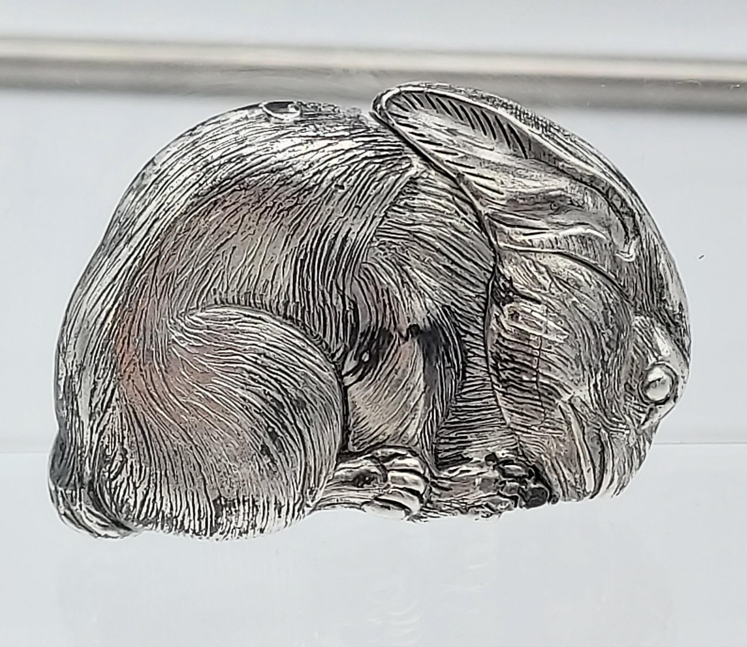 A silver plated vest case in the form of a rat [56.44g] - Image 2 of 4
