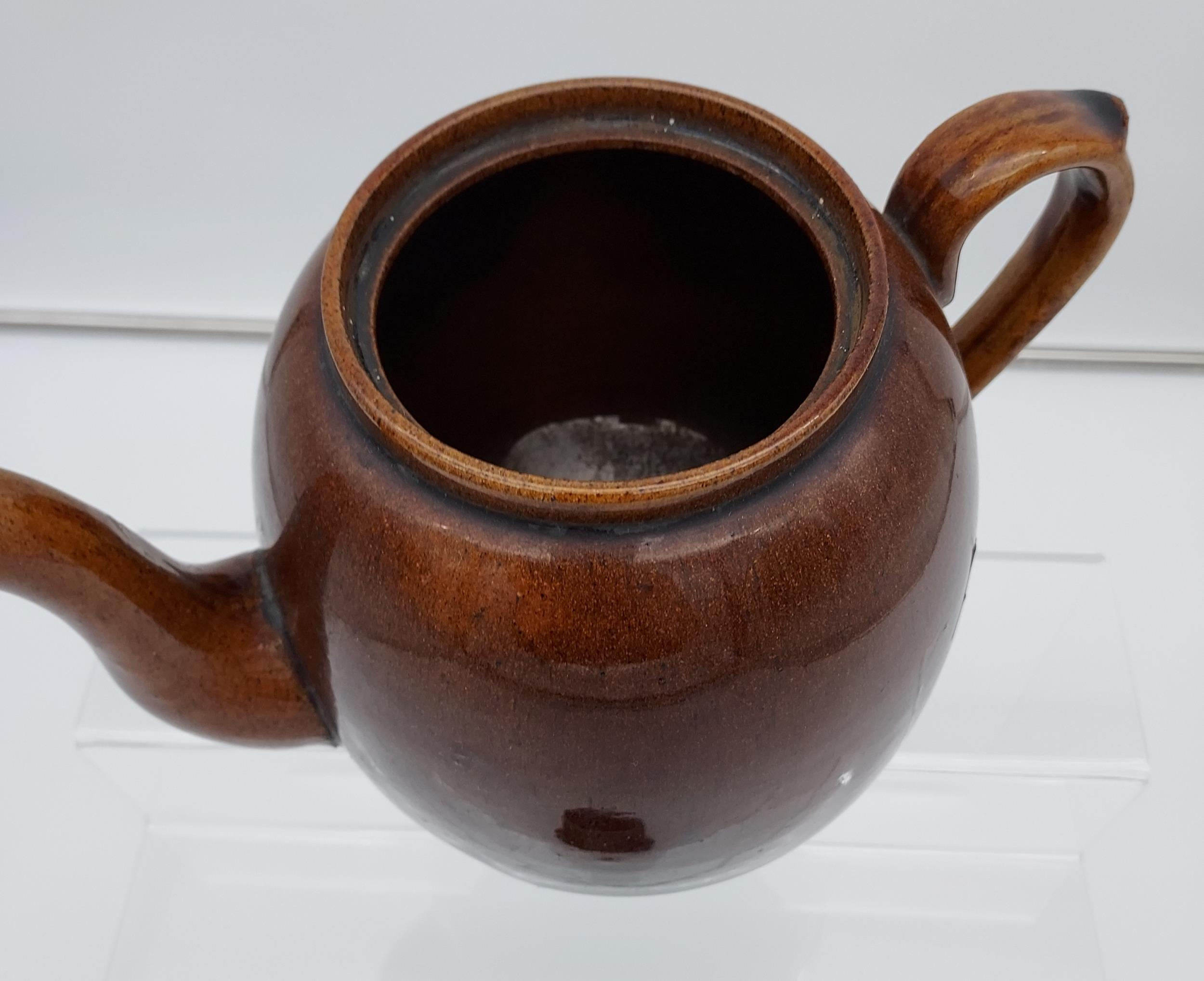 A Scottish brown glaze tea pot. [19cm in height] - Image 5 of 8