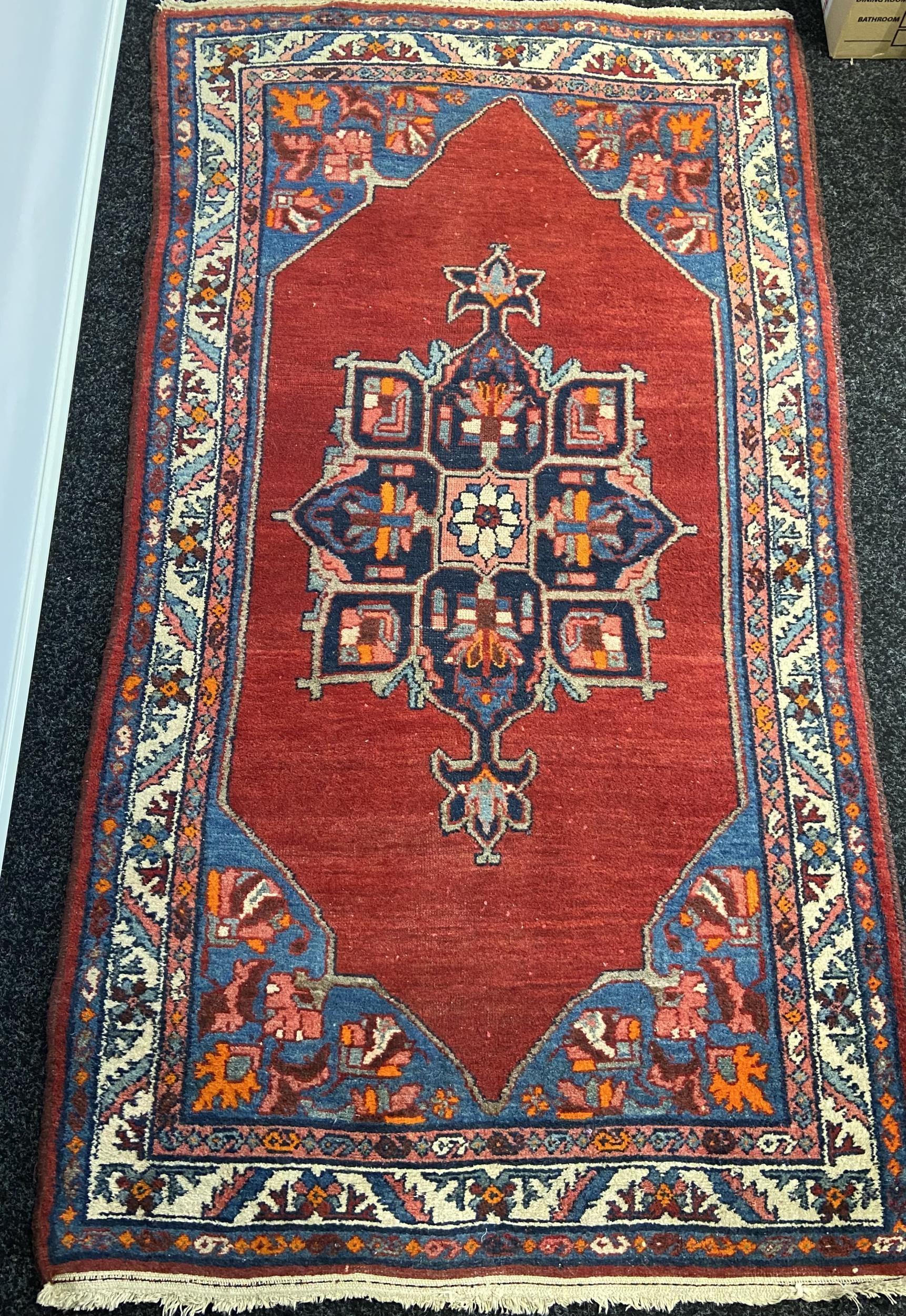 Antique hand made Iranian rug.[185x102cm] - Image 2 of 4