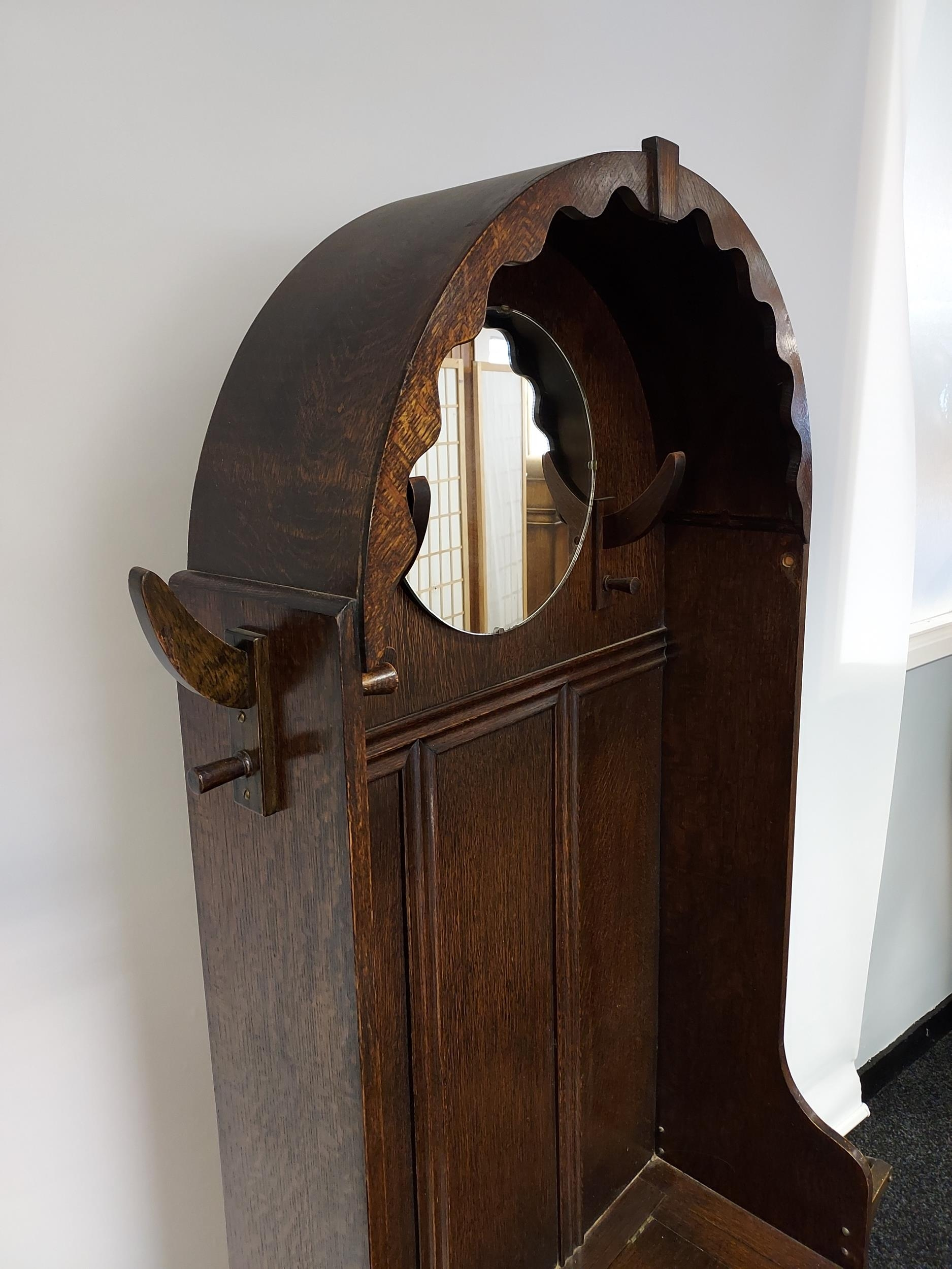 A nice example of an Art Deco oak, hall coat stand. Designed with a circular mirror, and lift up - Image 3 of 6