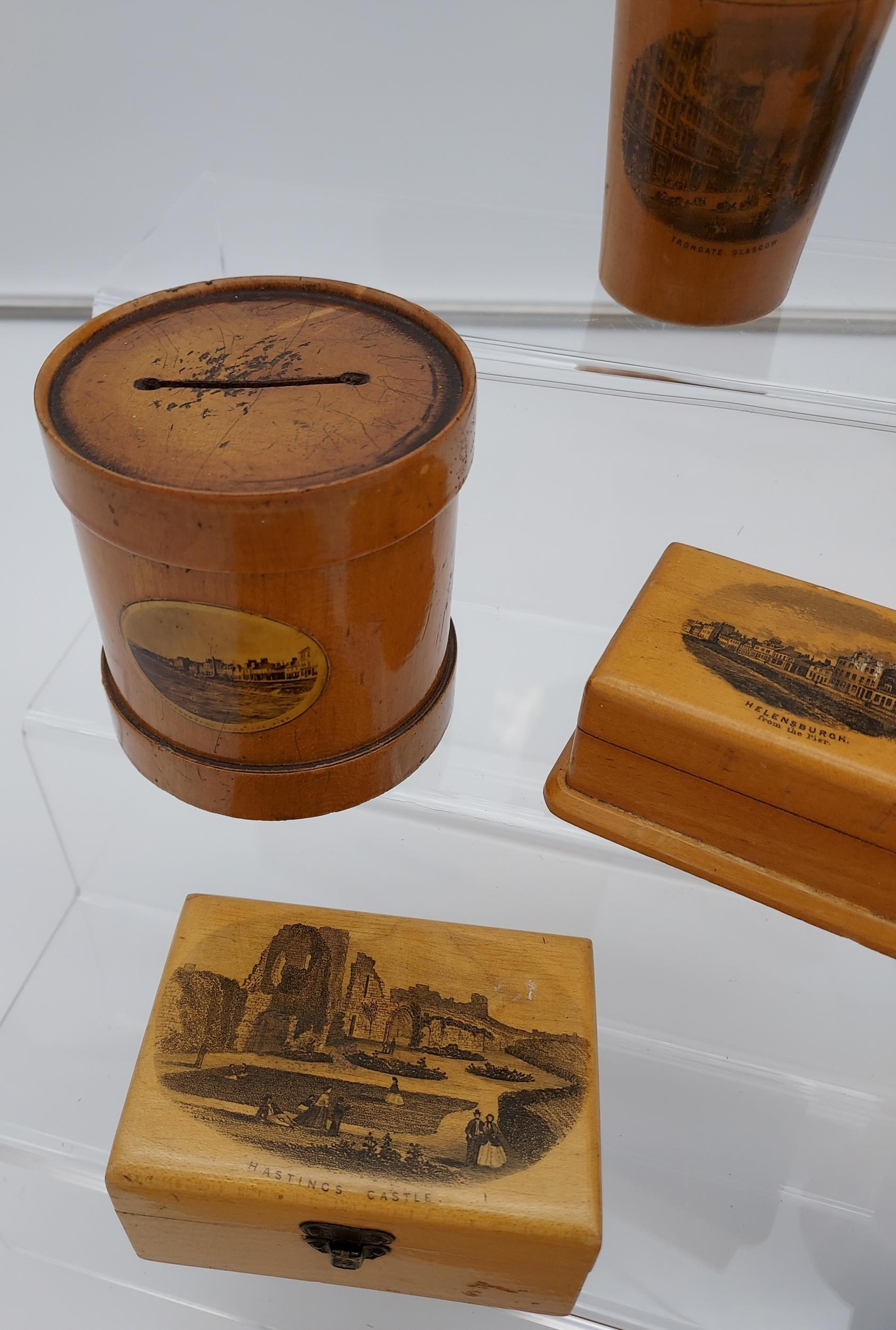 A Lot of 8 pieces of Mauchline ware to include Egg timer, money box, trinket boxes and shot glass - Image 3 of 4