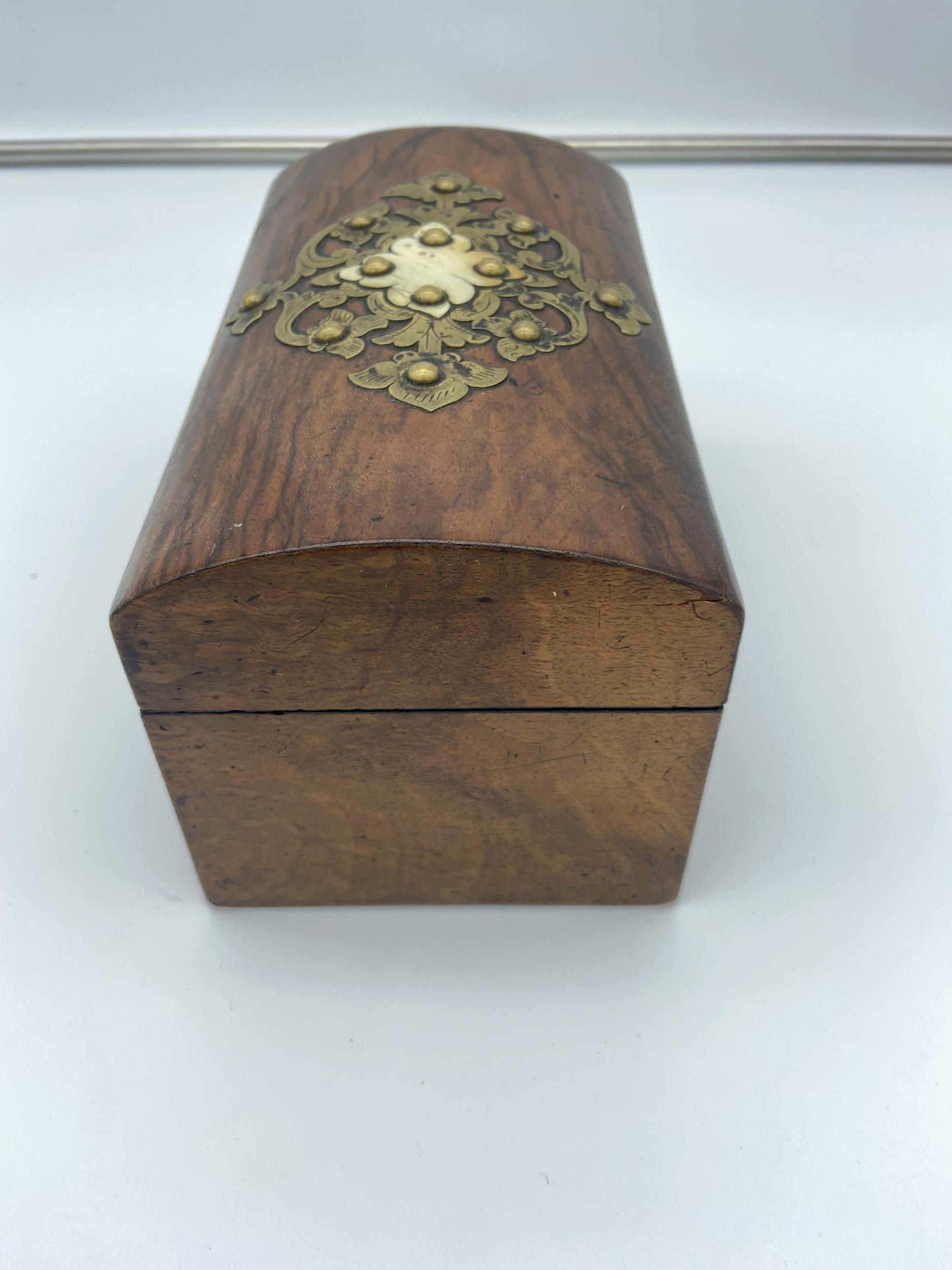 A 19th century two section tea caddy box fitted with brass mounts - Image 2 of 5