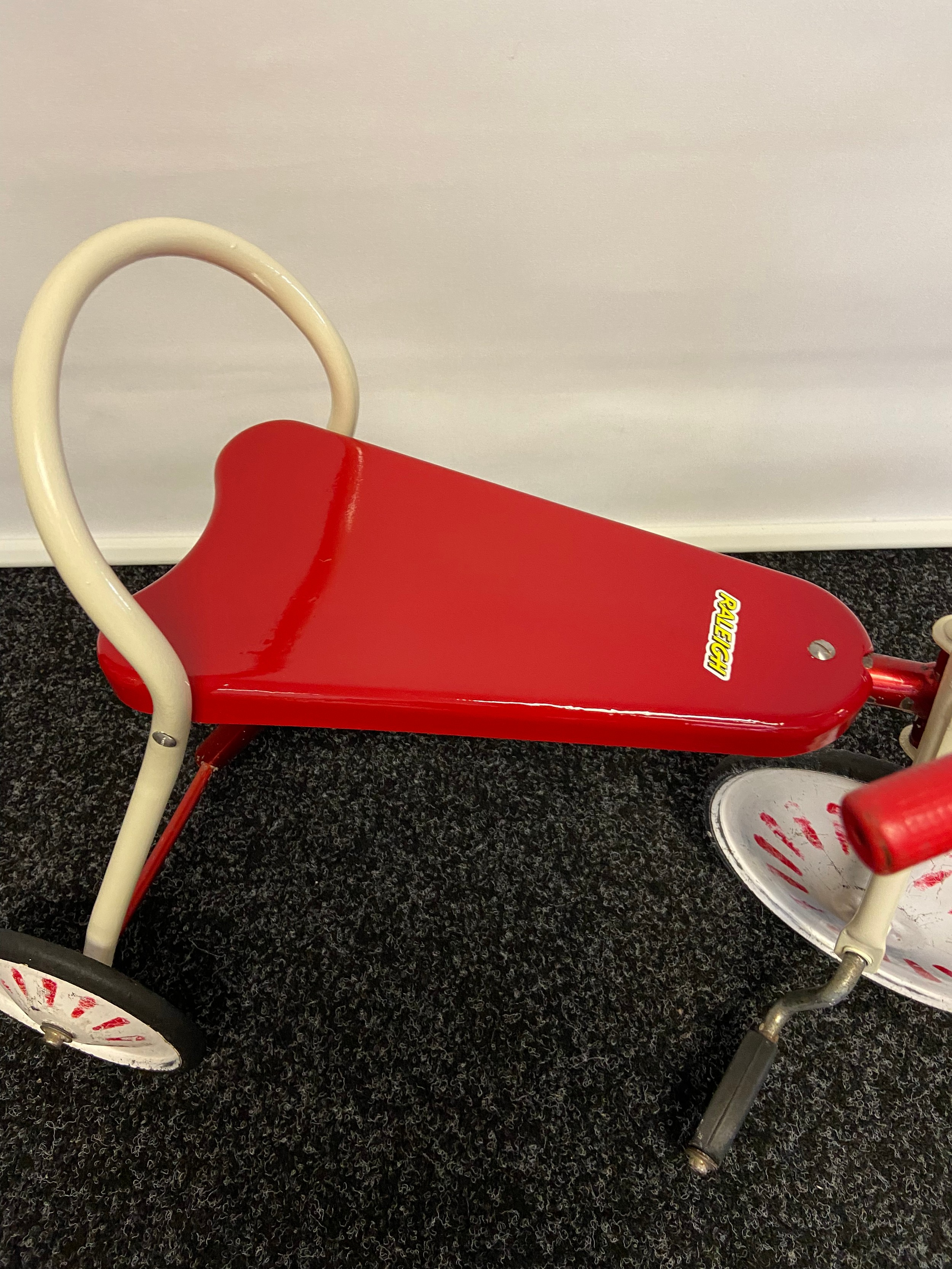 A Vintage childs Raleigh tricycle. - Image 2 of 3