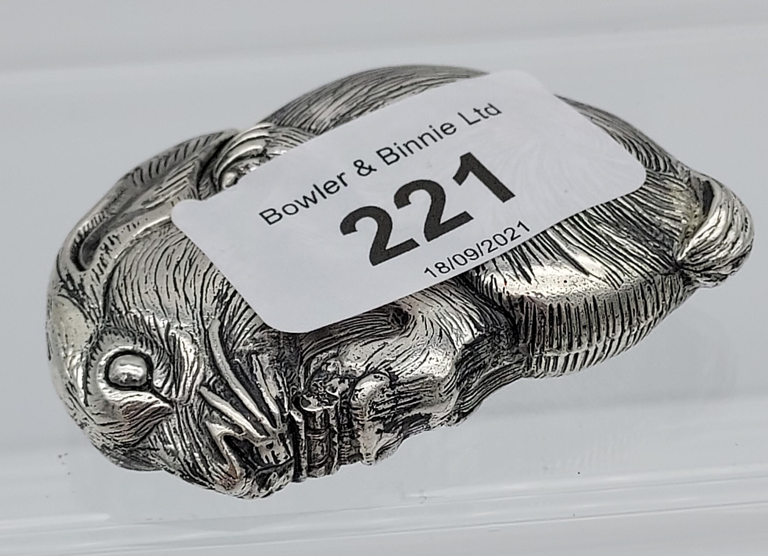 A silver plated vest case in the form of a rat [56.44g] - Image 3 of 4