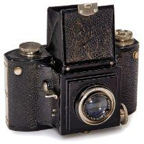 Noviflex von Eichapfel, 1934B. Eichapfel, Dresden. Erste Version dieser seltenen SLR-Kamera im