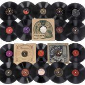 """50 amerikanische Jazz- und Blues-Schellackplatten, um 1925-50 1) Victor 27890, John Kirby, """"Keep"""
