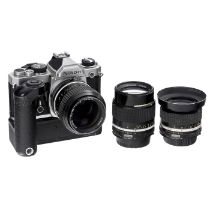 3 Nikkor-Objektive von Nikon Nikon, Japan. 1) Nikkor 2,8/24 mm, Nr. 790358, AI-Anschluß, Glas