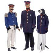 3 deutsche Postuniformen, um 1900 1) Uniform der Kaiserlichen Reichspost, Rock für Ober-