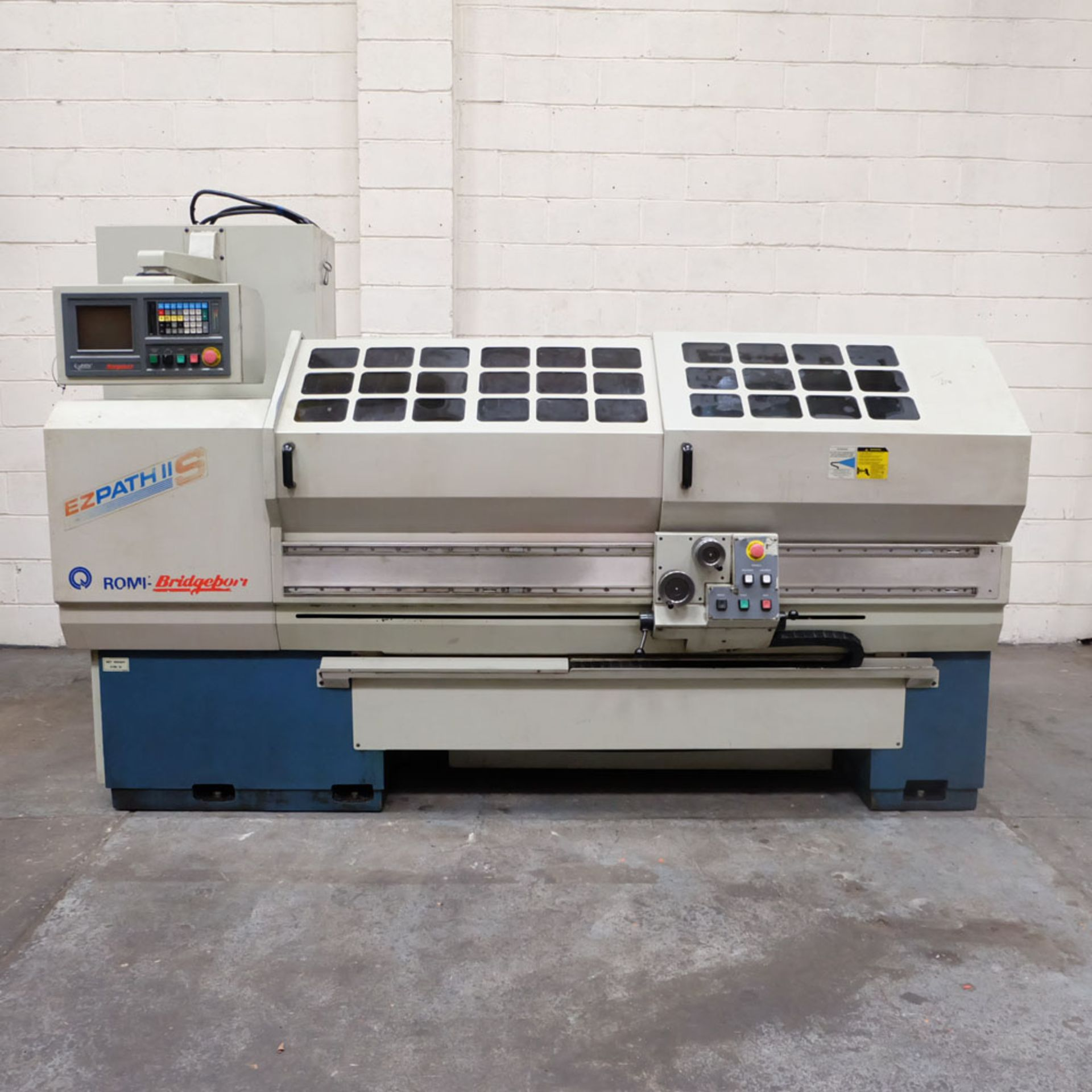 "Bridgeport Romi EZ Path IIS V3 CNC Centre Lathe. DX32R 2 Axis Control. Swing Over Bed: 20"". - Image 2 of 9"