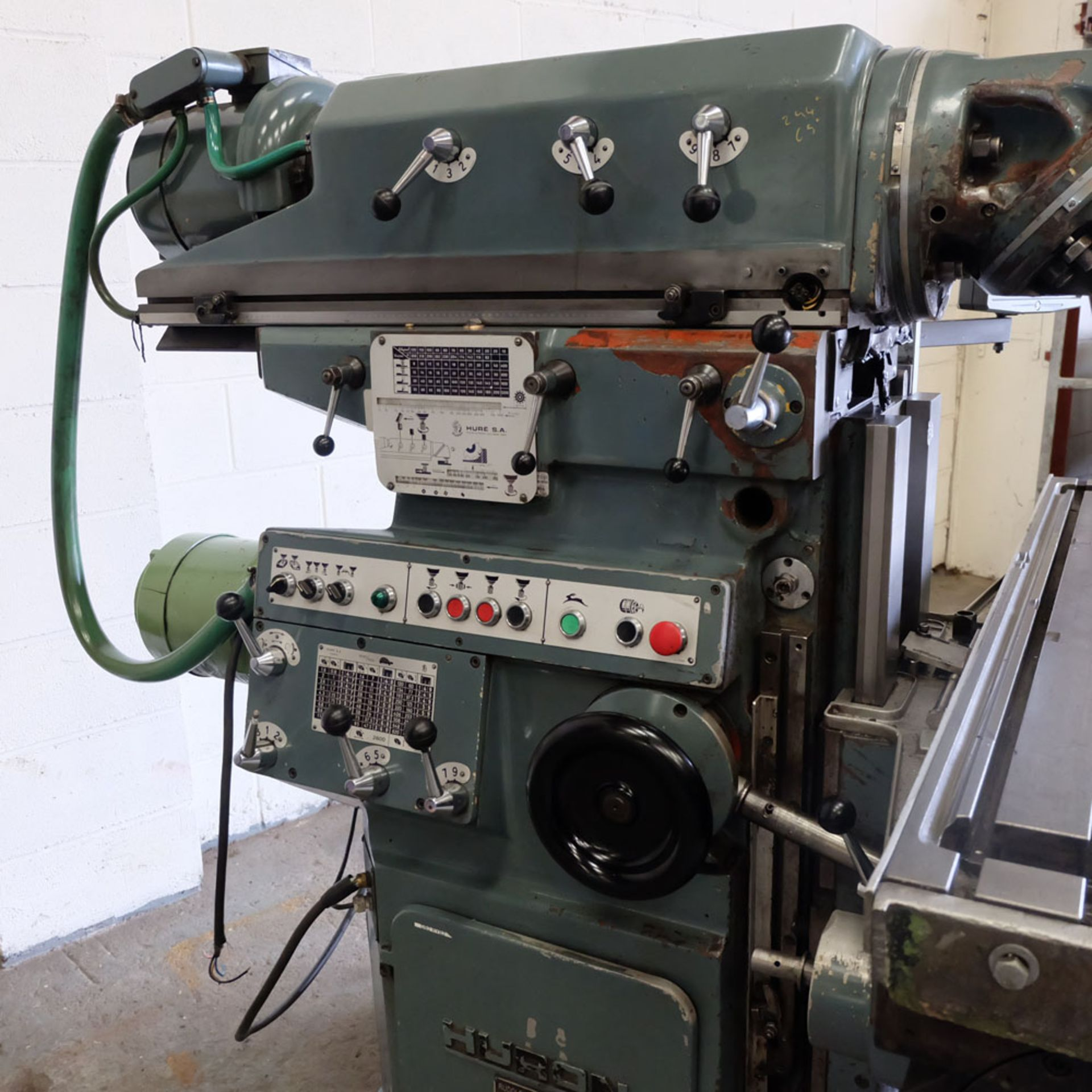 Huron NU4 Toolroom Universal Milling Machine. Table Size: 1435mm x 460mm. Taper: 50 ISO. 2 Axis DRO. - Image 4 of 6