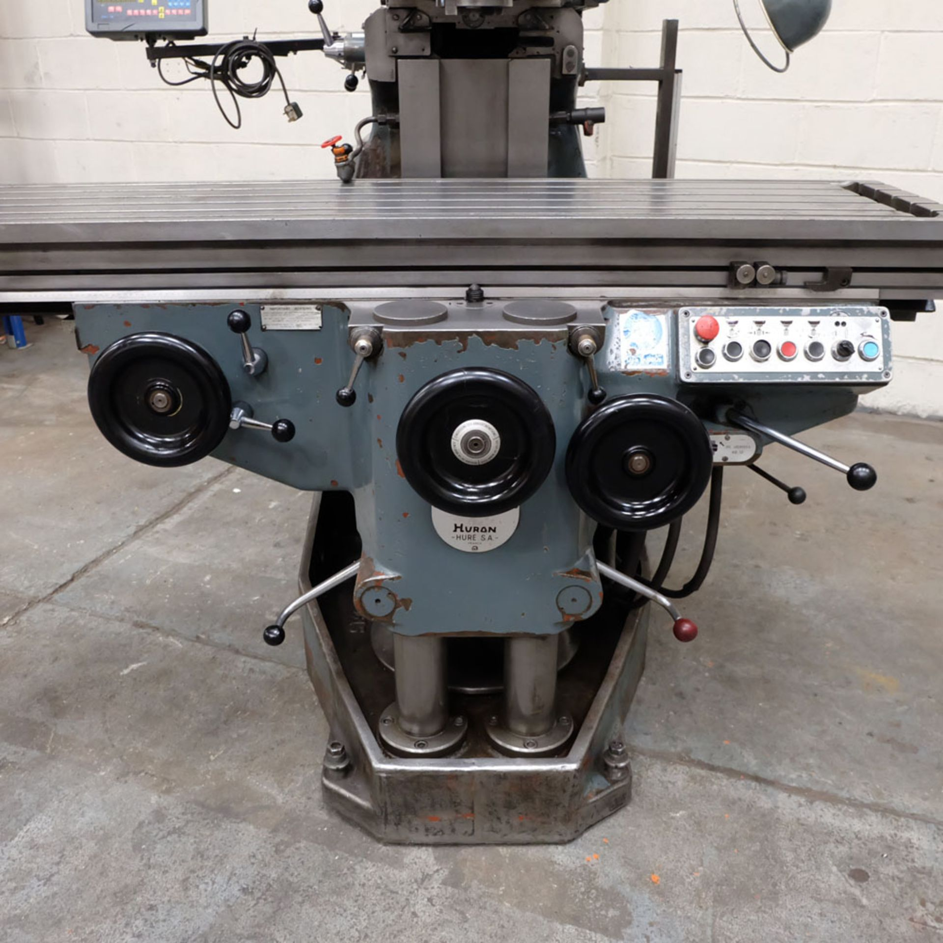 Huron MU6 Toolroom Universal Milling Machine. Table Size: 2000mm x 460mm. Taper: 50 ISO. 3 Axis DRO. - Image 3 of 6