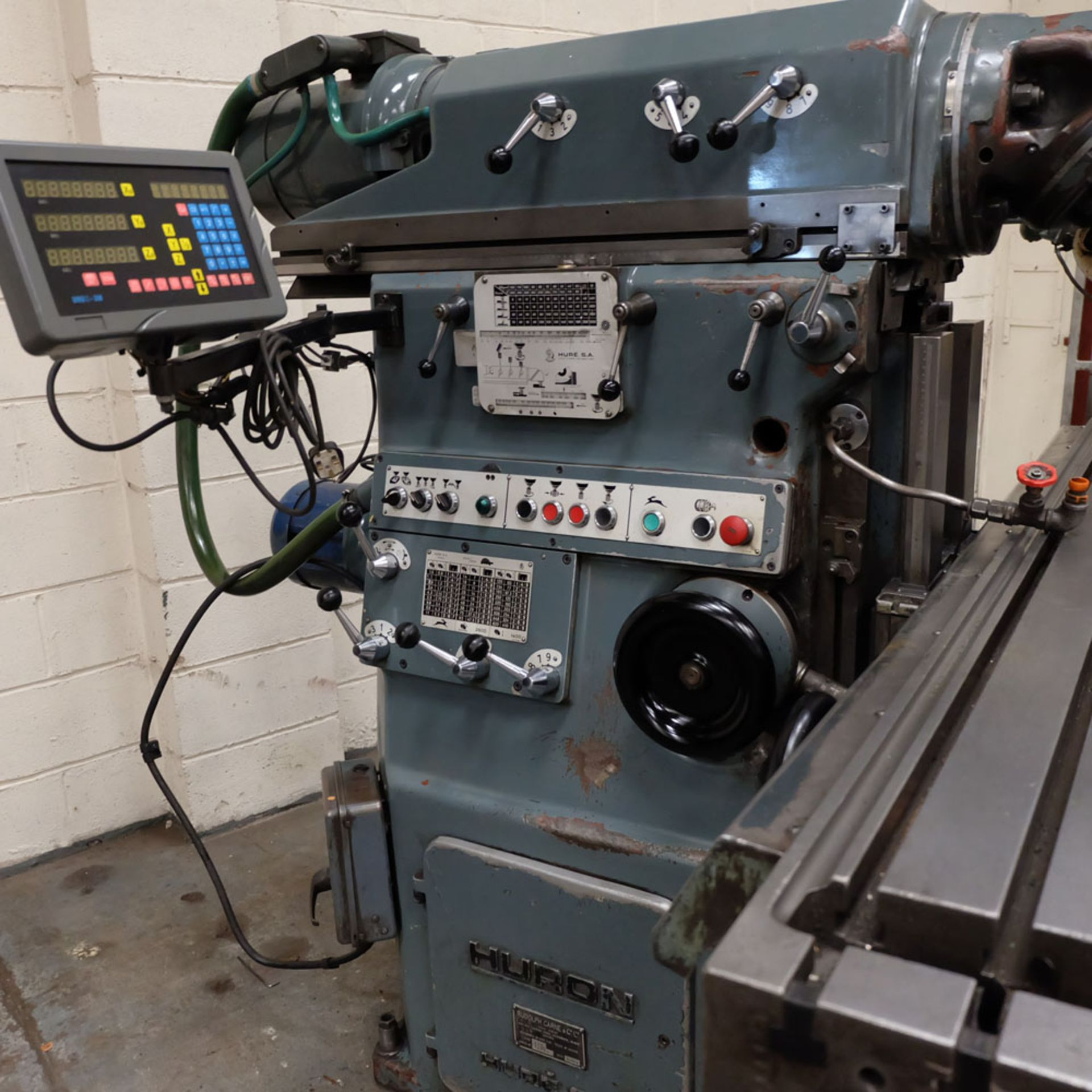 Huron MU6 Toolroom Universal Milling Machine. Table Size: 2000mm x 460mm. Taper: 50 ISO. 3 Axis DRO. - Image 4 of 6