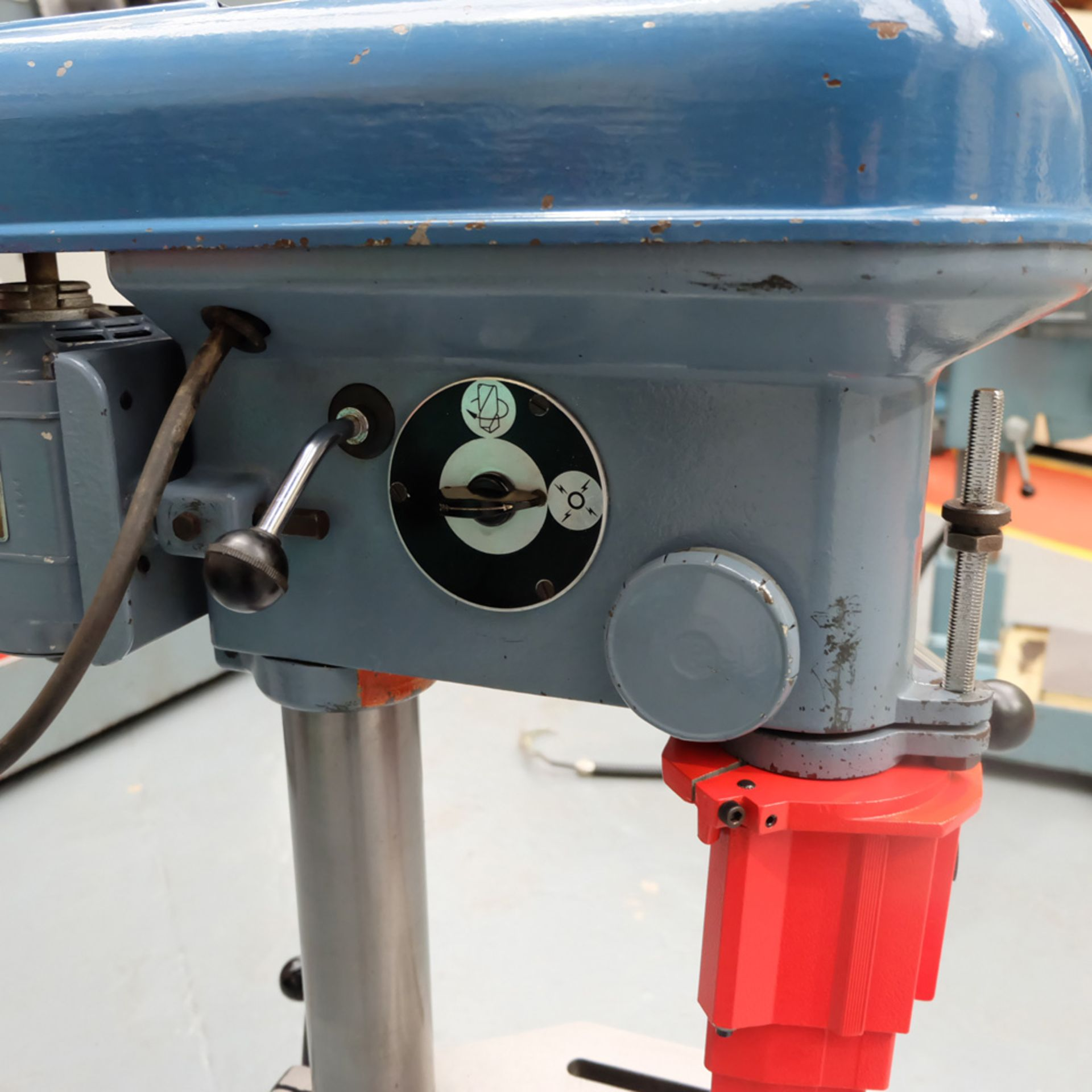 """Meddings Drilltru DTF Bench Drill. Capacity 1/2"""". Table Size 9"""" x 11"""". - Image 3 of 7"""