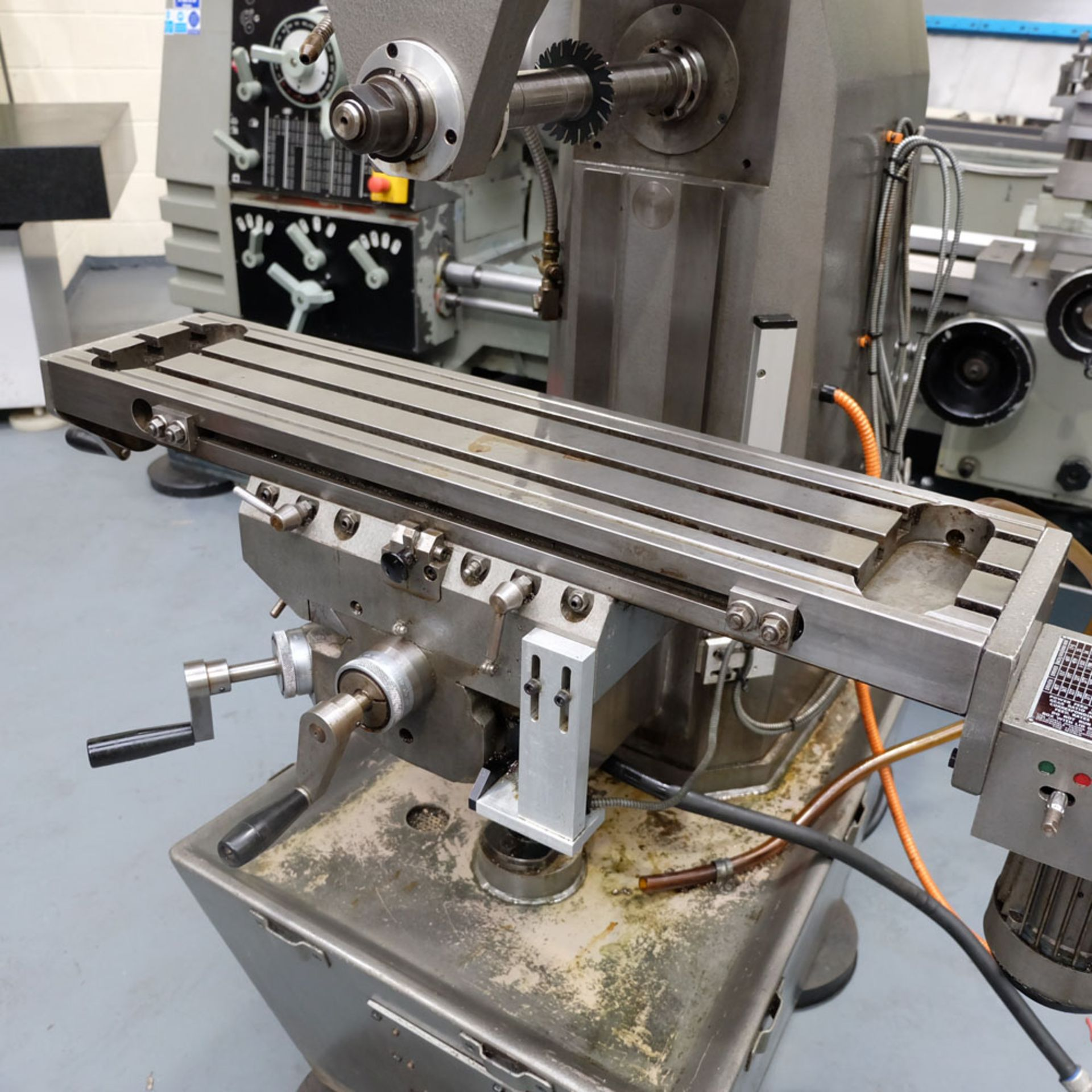 Viceroy Type AEW Horizon Horizontal Milling Machine. Taper 30 ISO. 2 Axis Digital Readout. - Image 4 of 10