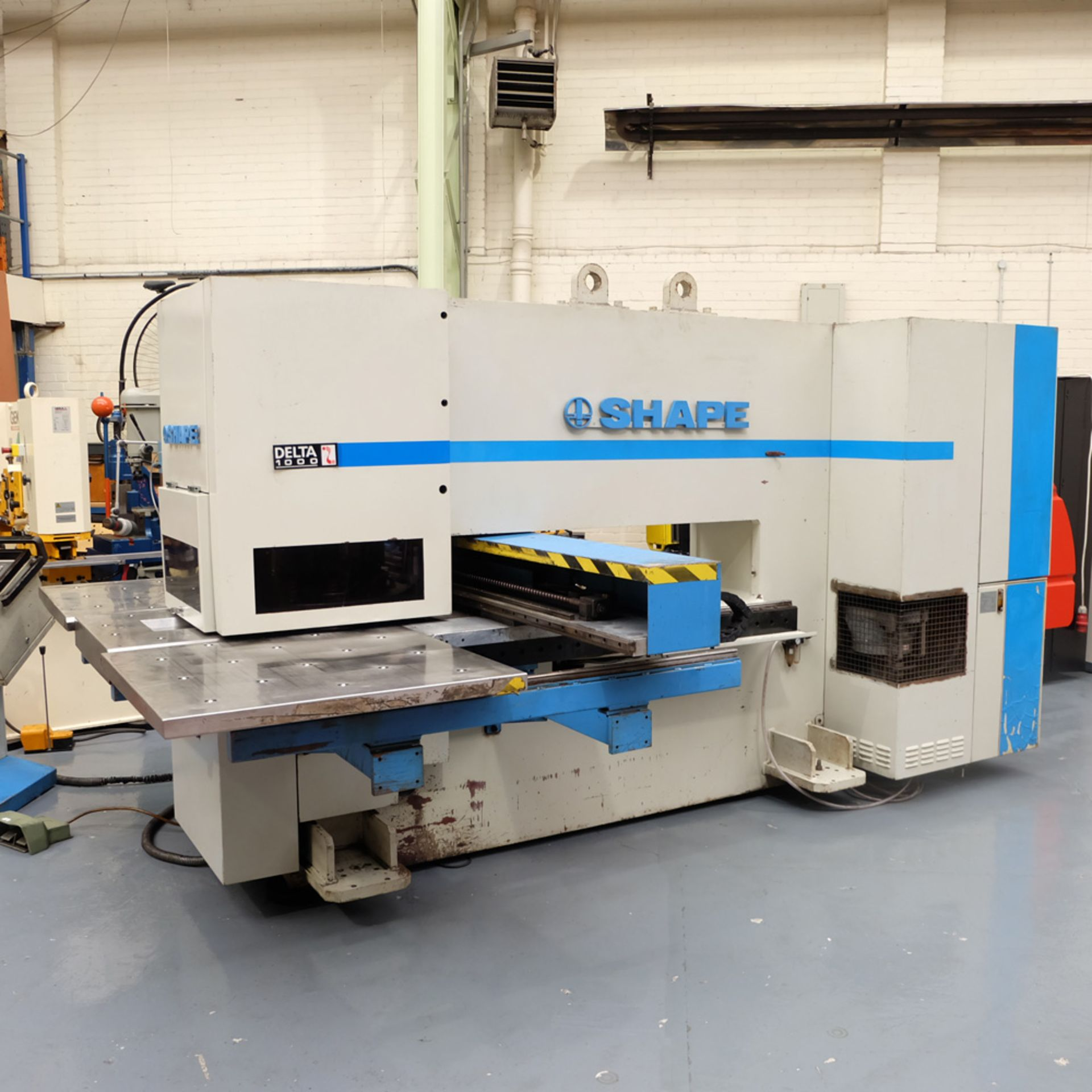 LVD SHAPE Model Delta 1000 Thick CNC Punching Machine.With Fanuc MNC 4000 Control.Capacity: 20 Tons. - Image 4 of 19