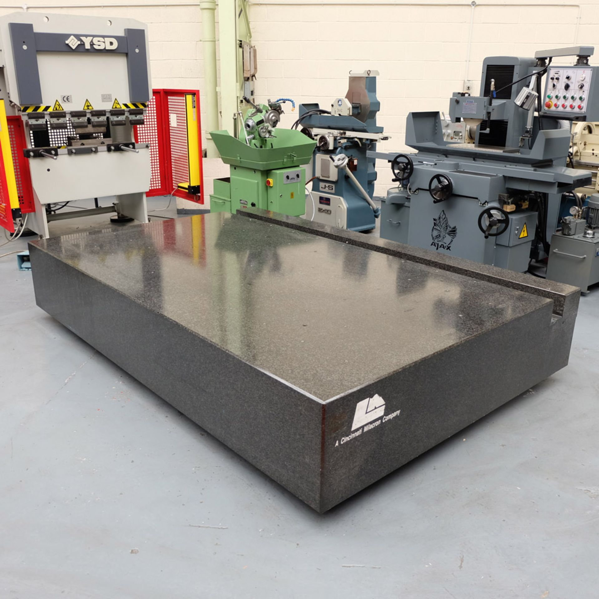 LK Granite Surface Table. Size: 2860mm x 1880mm x 460mm. - Image 2 of 7