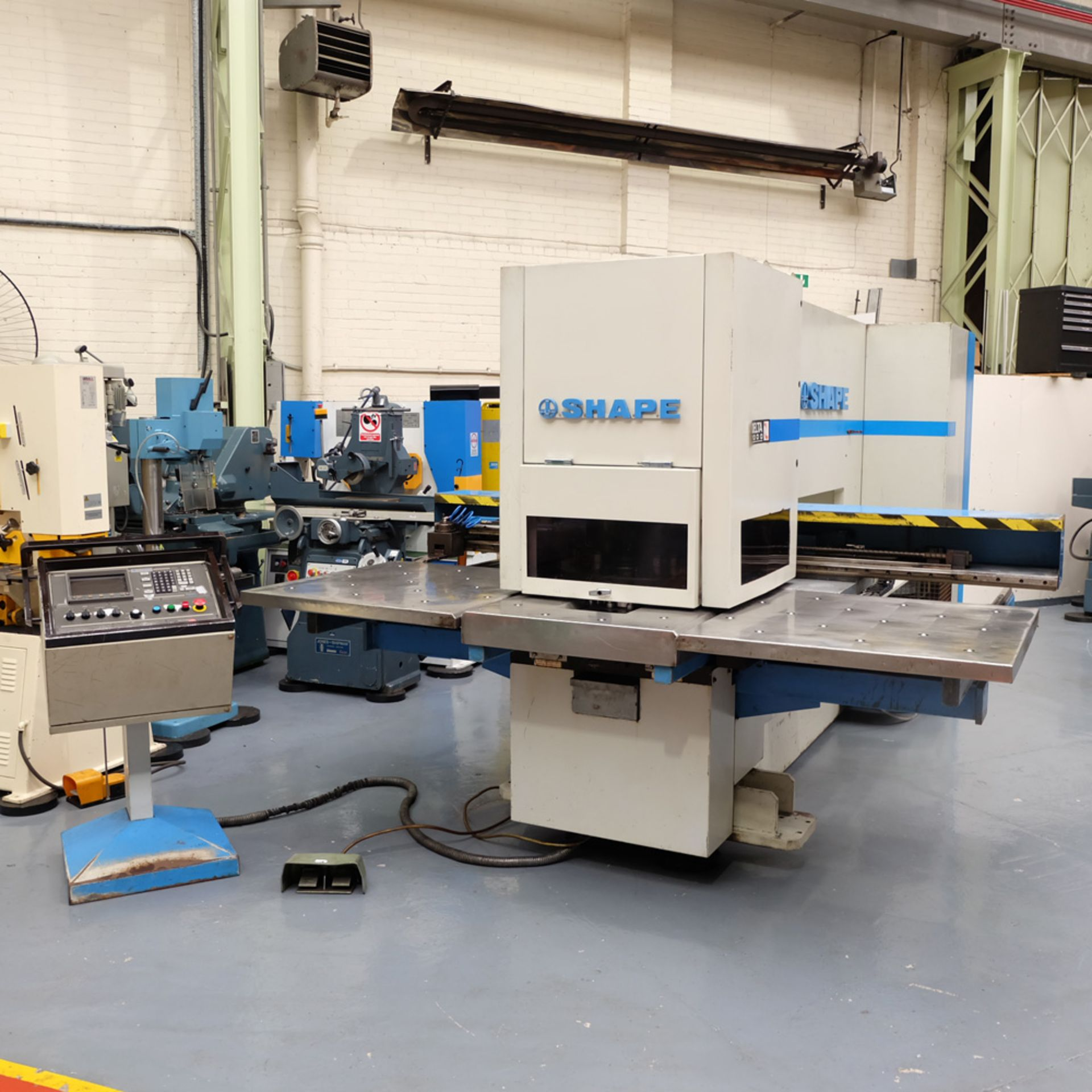 LVD SHAPE Model Delta 1000 Thick CNC Punching Machine.With Fanuc MNC 4000 Control.Capacity: 20 Tons. - Image 3 of 19
